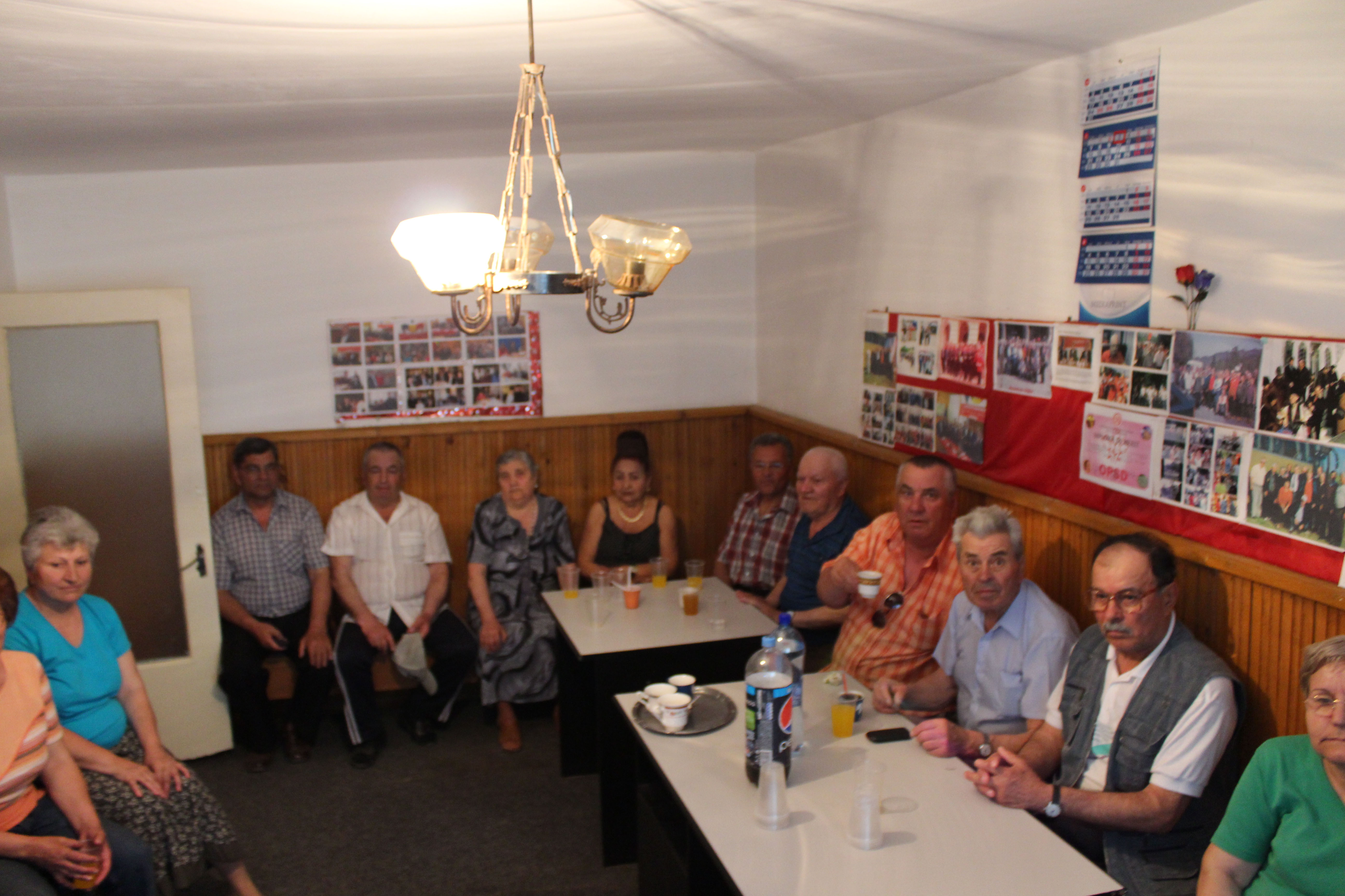 Deputatul Daniel Florea a oferit pachete de Paşte pensionarilor din Organizația Județeană PSD Călăraşi