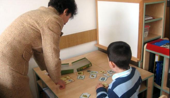 1000 de copii cu dizabilităţi aşteaptă înfiinţarea unei şcoli speciale, în judeţul Călăraşi