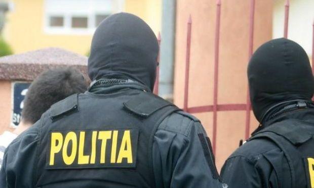 Jud. Călărași/Zeci de descinderi la membrii unei grupări specializate în furturi și fapte de corupție