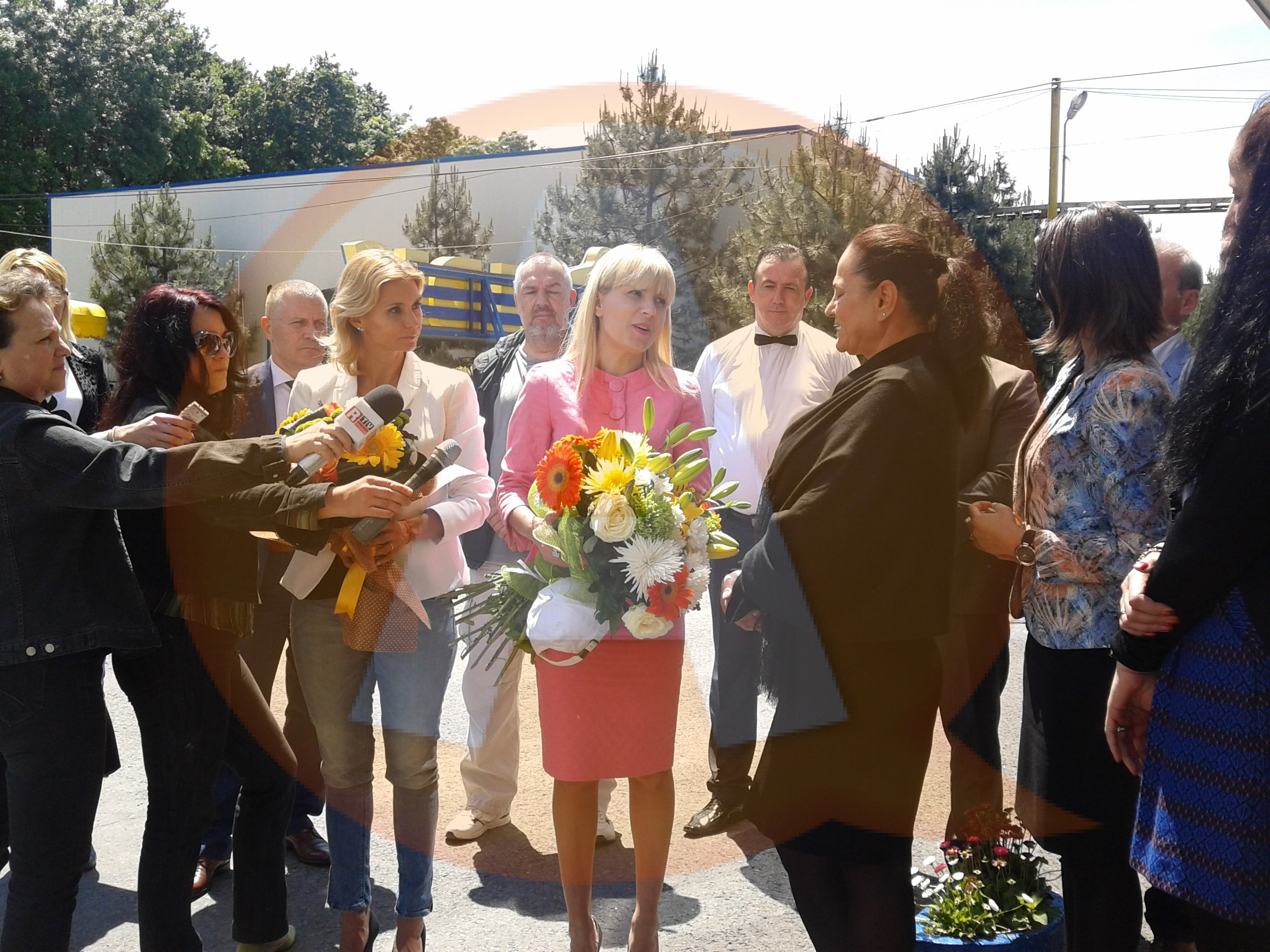 """Elena Udrea în vizită la Călăraşi: ,,La Aldis am avut cea mai călduroasă primire!"""""""