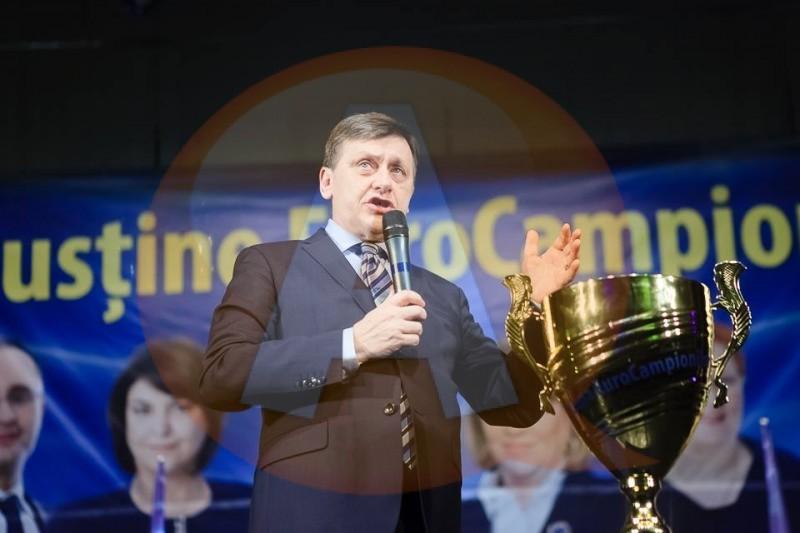 Crin Antonescu vine duminică, 18 mai, la Călărași