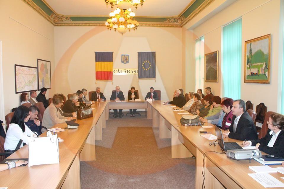 Facebook-ul și-a făcut datoria și ne-a informat: Ministrul delegat pentru dialog social a sosit la Călăraşi
