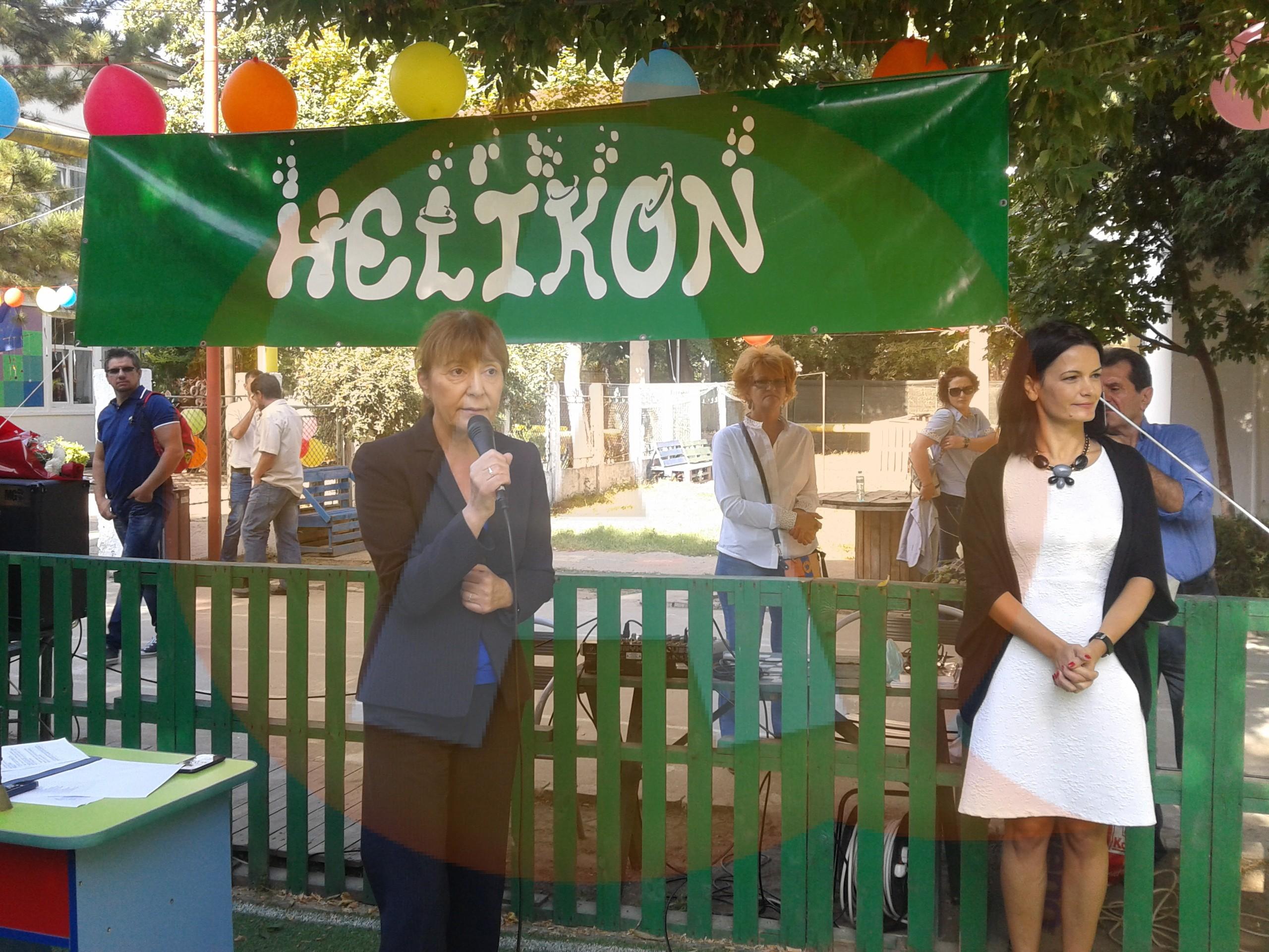 """Monica Macovei: ,,Şcoala Helikon este un model de succes pentru educaţia românească"""""""