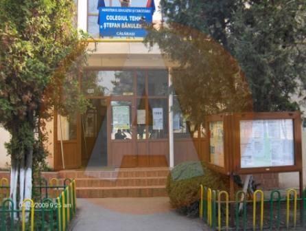 La Colegiul Ștefan Bănulescu, un bărbat a bătut o elevă în sala de clasă