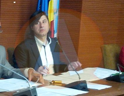 """Filipescu: """"Secretarul Tudone e învinuit că a ridicat mâna!"""""""