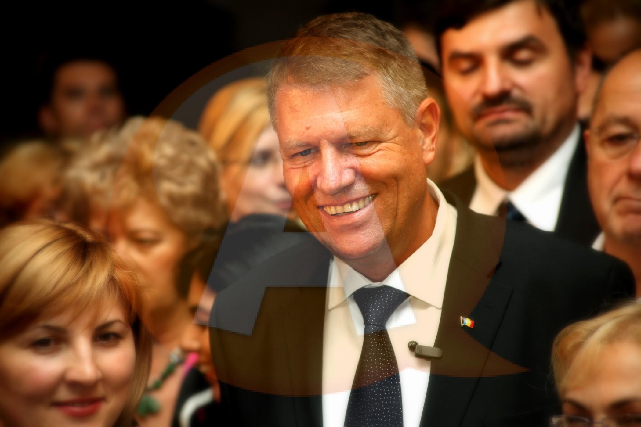 Klaus Iohannis: Educaţia nu mă lasă să-i răspund lui Ponta cu aceeaşi monedă