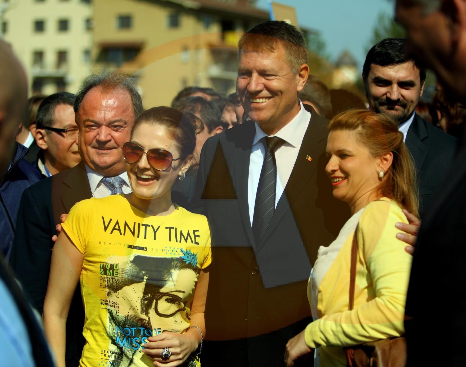 """Klaus Iohannis: """"Tinerii noştri s-au săturat de mediocritate"""""""