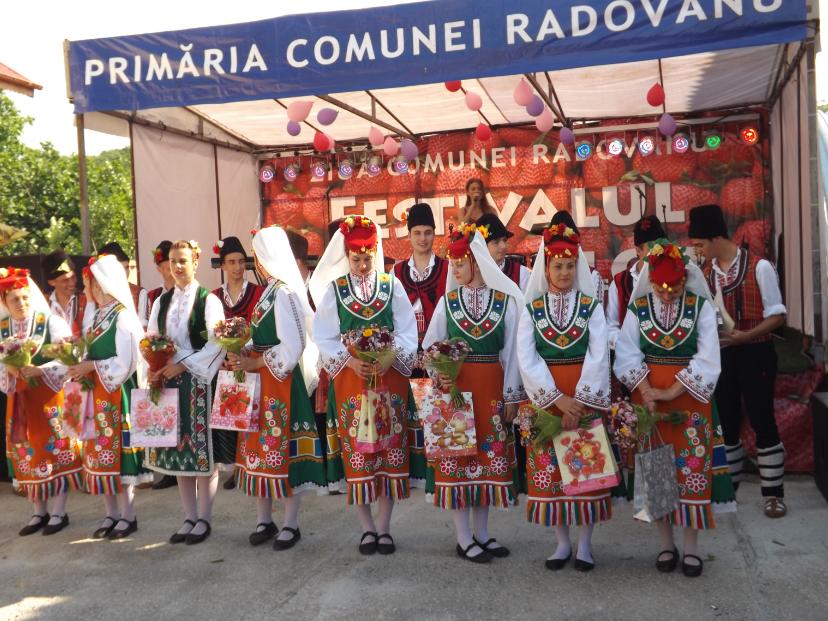 """În zi de florar, Radovanu a sărbătorit """"Festivalul Căpșunului"""""""