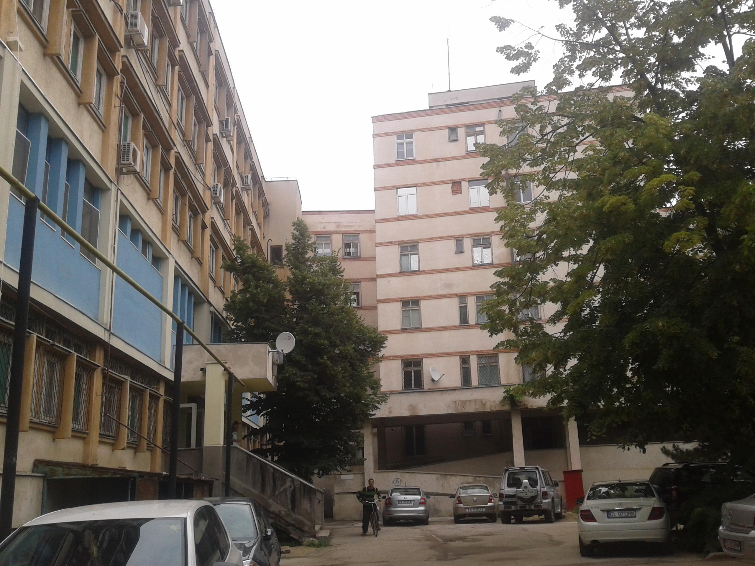 Curtea exterioară a Spitalului Judeţean va fi reamenajată