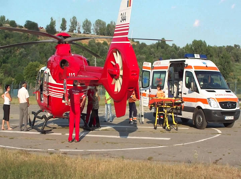 Un bărbat de 47 de ani, rănit grav, după ce a căzut peste el un balot de lucerna de 800 de kg