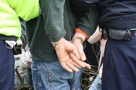 Reţinut de poliţişti, după ce a condus băut și fără permis de conducere