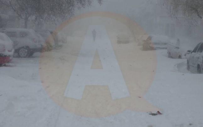 Toate drumurile județene sunt închise, iar 16 localități nu au curent electric, în județul Călărași