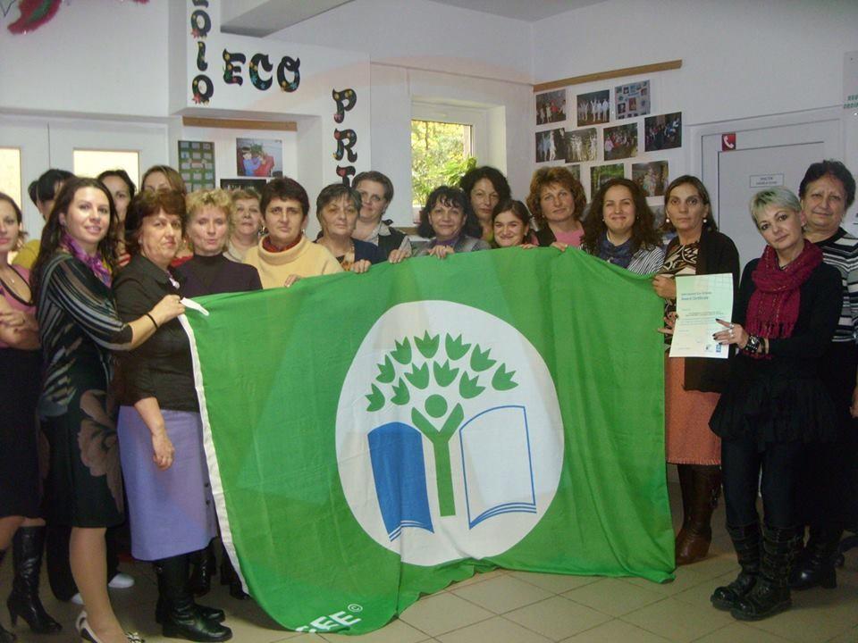 """Grădiniţa ,,Ţara Copilăriei"""" a recâştigat ,,Steagul verde"""""""