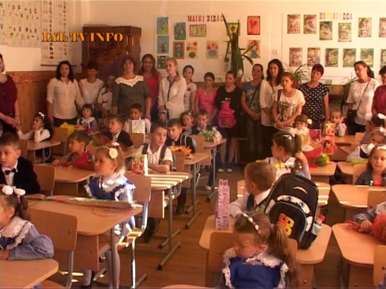 Peste 1700 de copii au început școala, în comuna Borcea