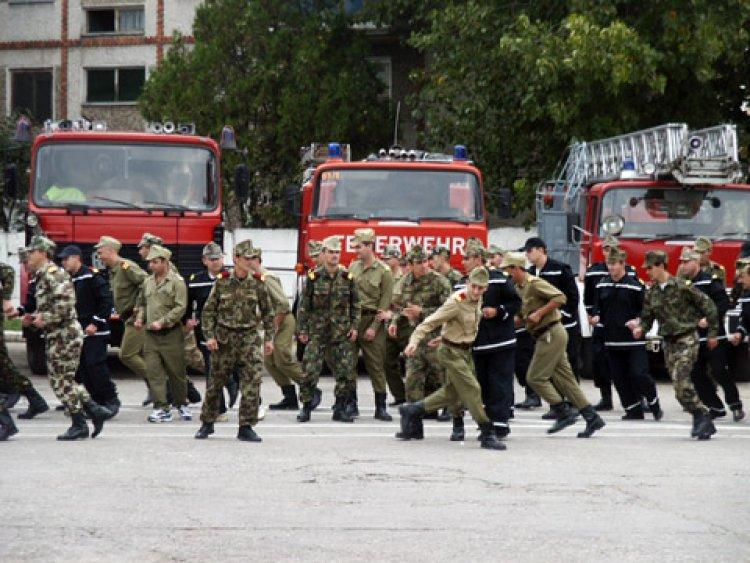 Peste 4.800 de pompieri vor fi la datorie, pe timpul minivacanţei de 1 Decembrie