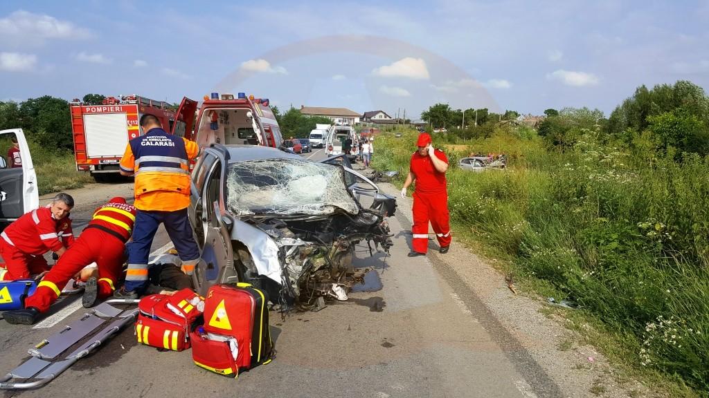 Grav accident rutier cu 4 victime în localitatea Gruiu, pe DN 4, km 36 + 400