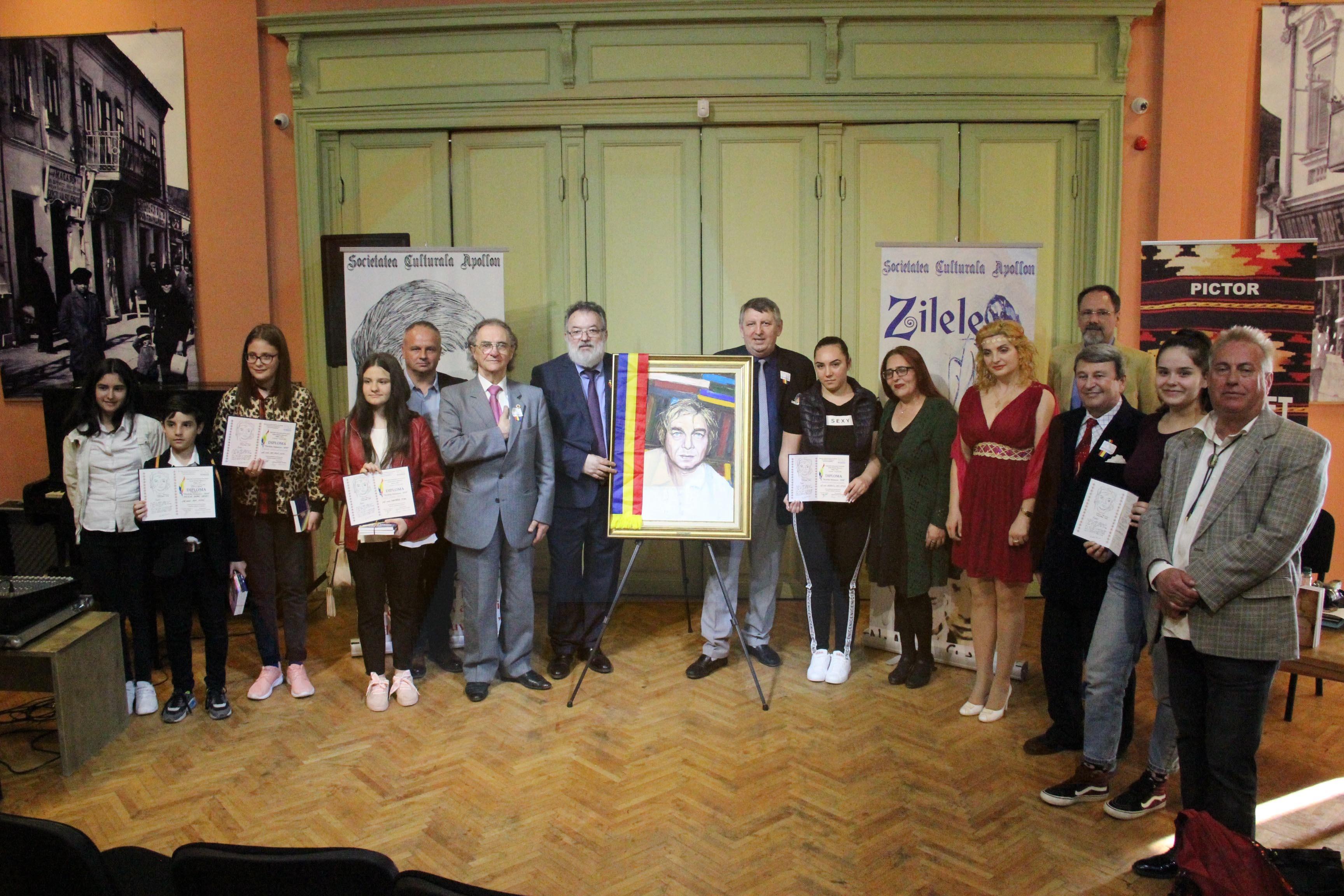 """Câștigătorii concursurilor organizate în cadrul Festivalului Internațional de poezie """"Zilele Nichita Stănescu""""-editia a XII-a"""