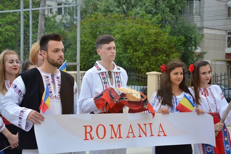 """Două zile de sărbătoare la Colegiul """"Barbu Ştirbei"""": A fost marcată Ziua Europei prin manifestări inedite"""
