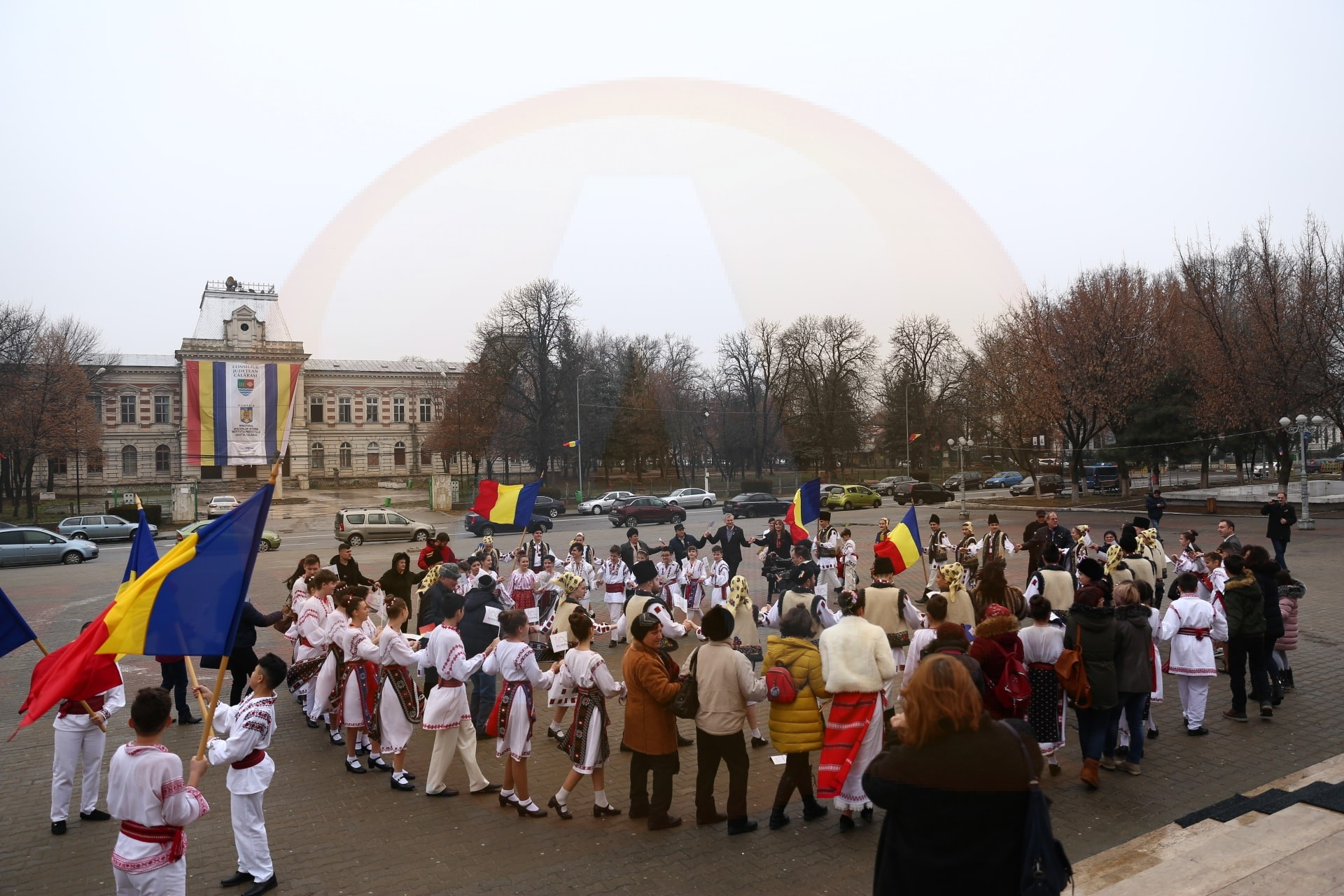 """Centrul Județean de Cultură și Creație Călărași a organizat evenimentul:""""Hai să dăm mână cu mână"""""""