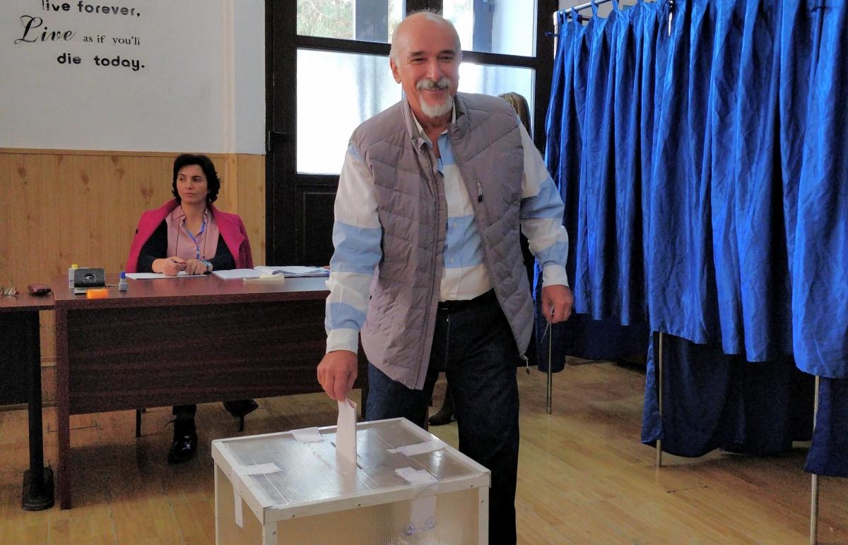 """Răducu George Filipescu, senator PNL:  ,,Am votat astăzi pentru ca românii, de peste tot, să se întoarcă acasă și să găsească aici locurile de muncă pe care și le doresc"""""""