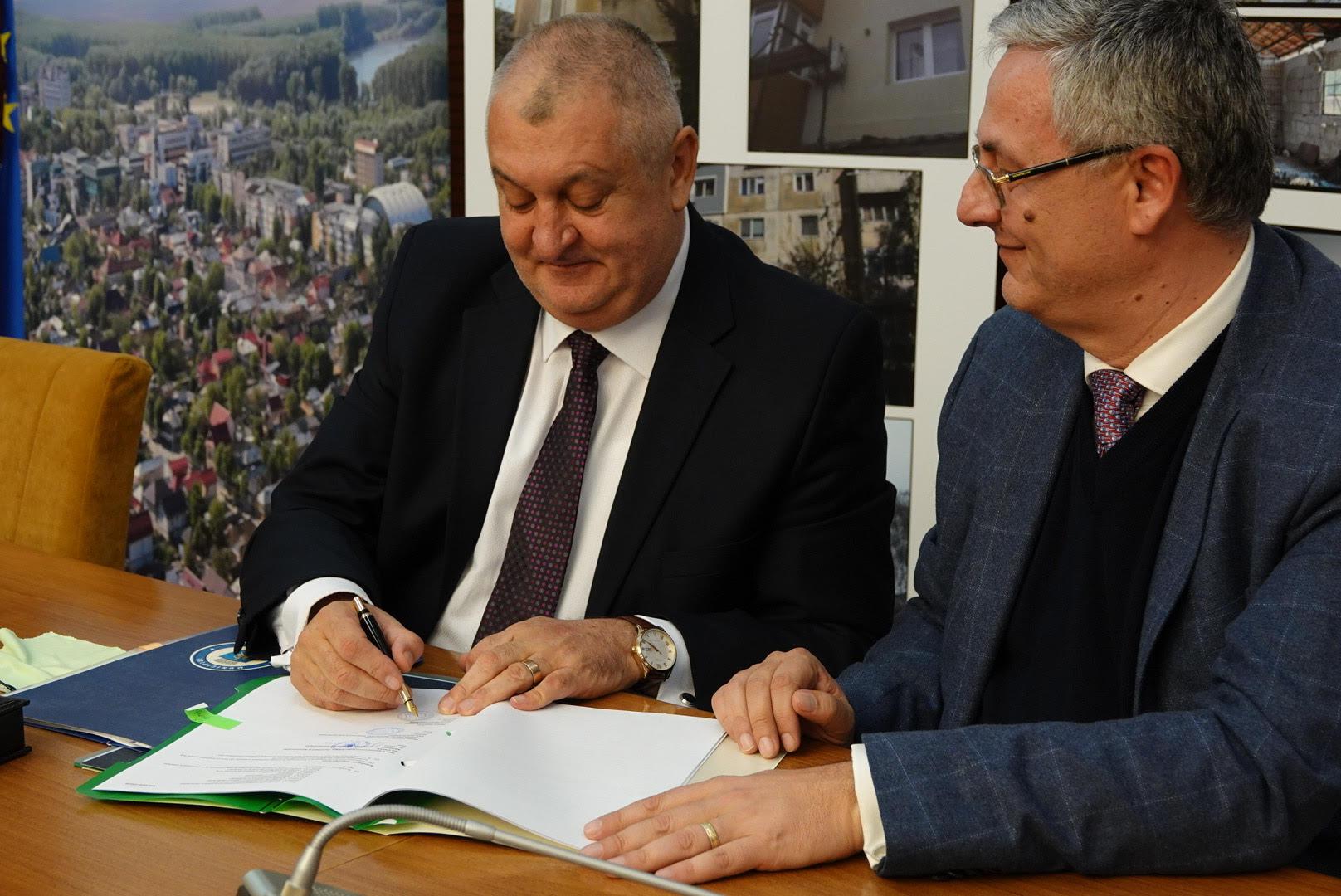 Primăria Călărași a semnat contractul de finanțare europeană a proiectului de modernizare a străzii București