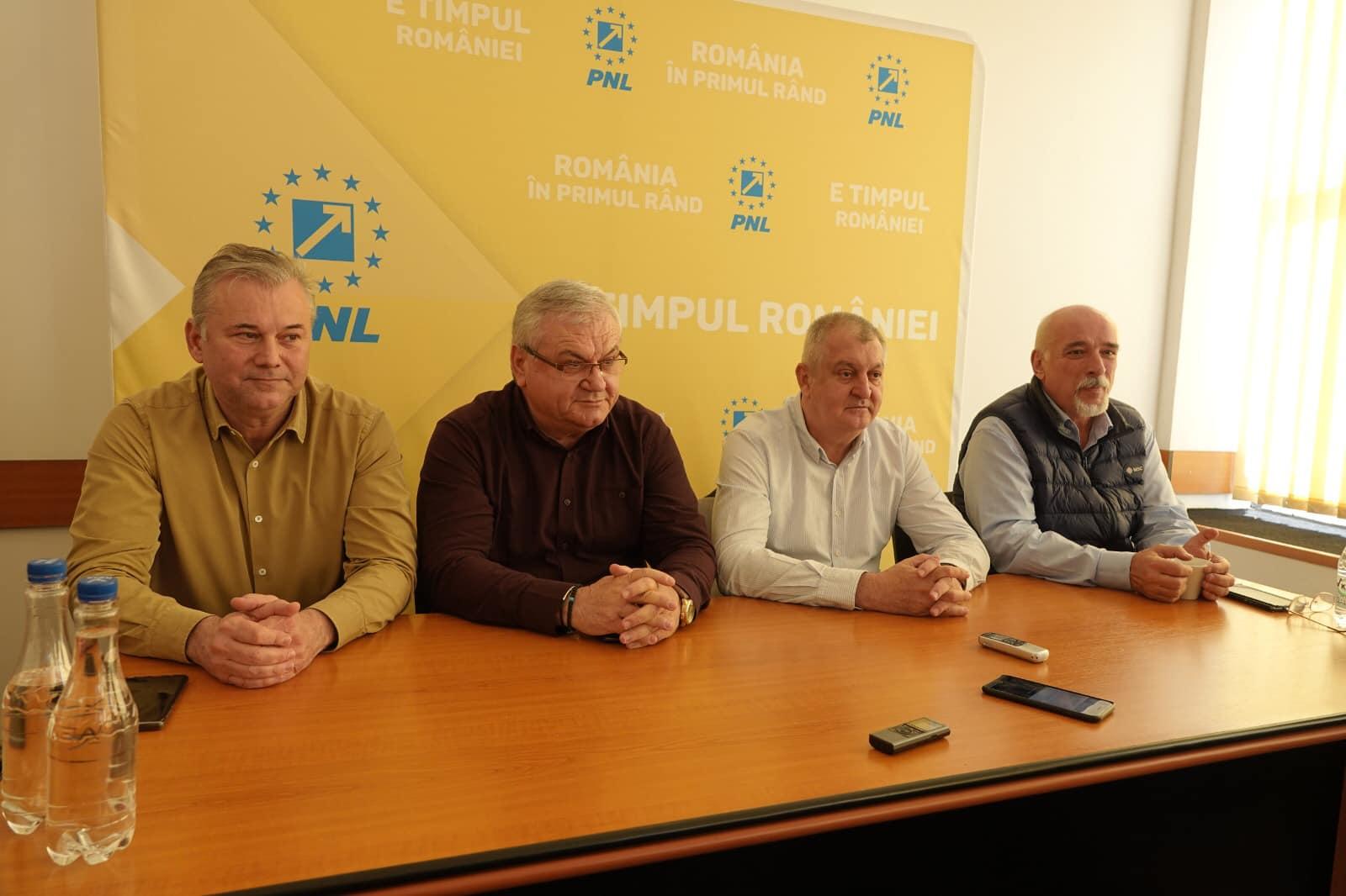 """Costinel Milescu, candidat PNL la Primăria Oltenița: """" Îmi doresc să repunem Oltenița în block-starturi"""""""
