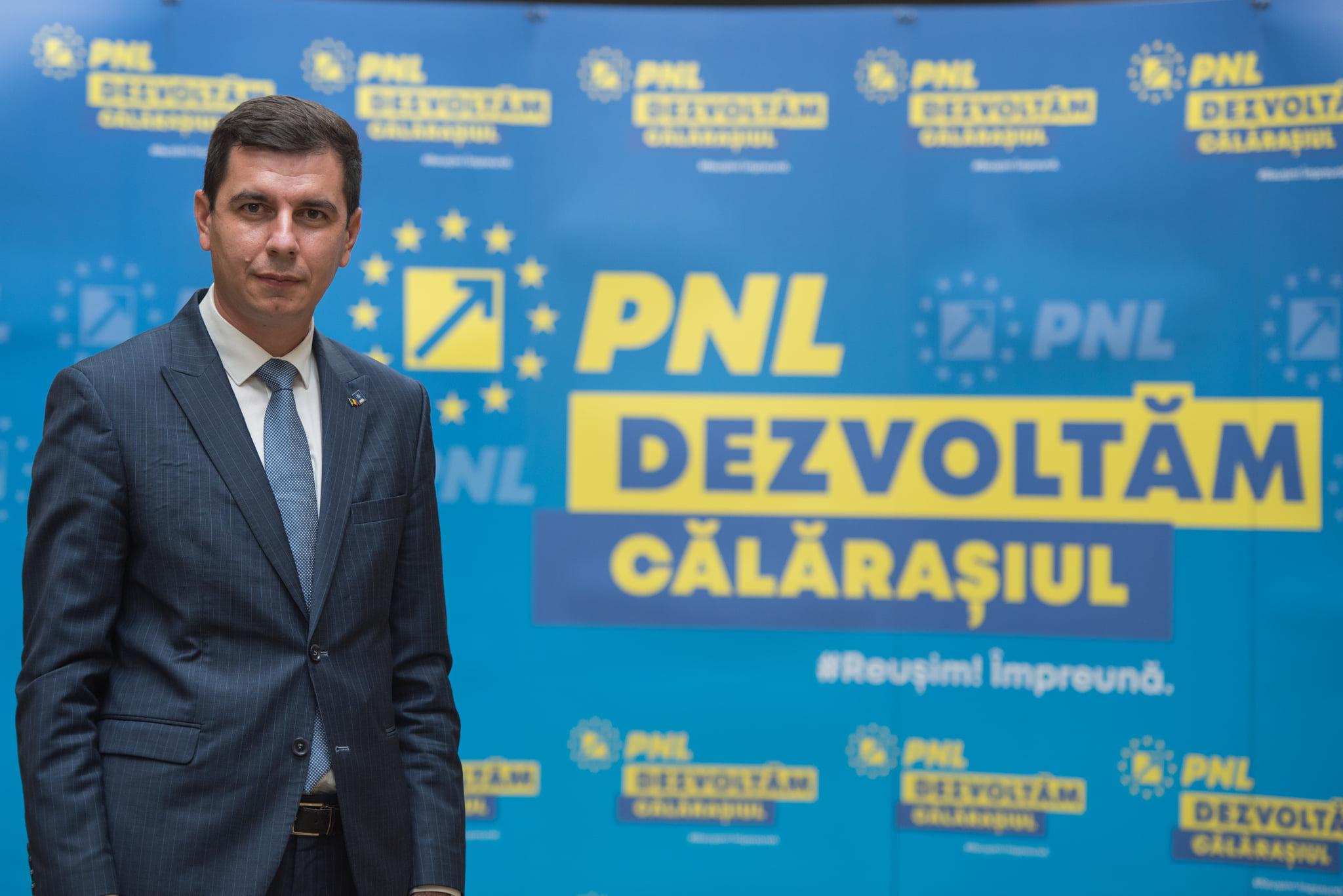 """Președintele PNL Călărași, Emil-Florian Dumitru: ,,Media de vârstă a candidaților PNL Călărași este de 37,5 ani, ceea ce înseamnă că este cel puțin un gest de curaj din partea partidului nostru să intre în luptă cu tineri"""""""