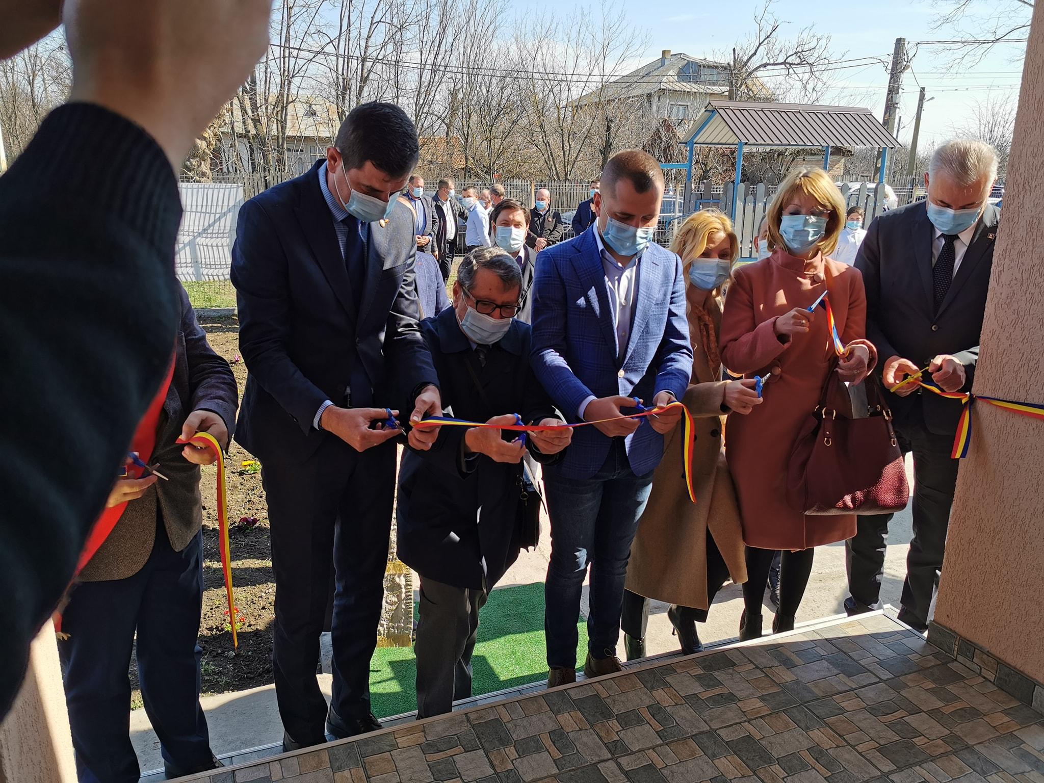 În comuna Dragalina au fost inaugurate o școală și o gradiniță